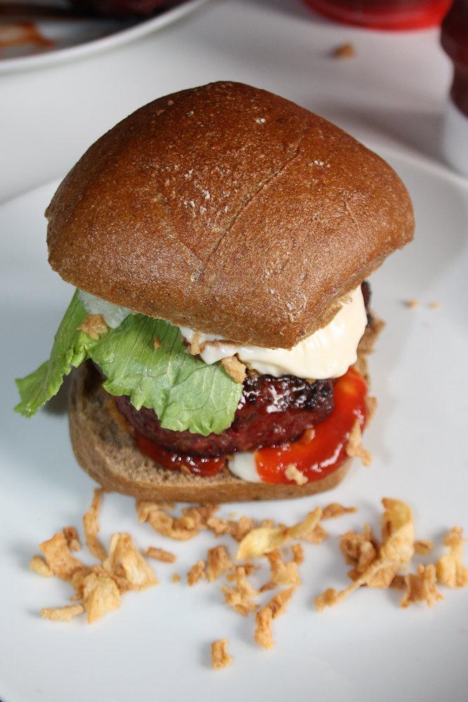 Tellerbild_Burger_Irish_Beef (1 von 1).jpg